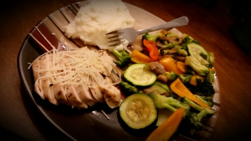Baked Chicken with Mashed Potatos and Mixed Vegetables